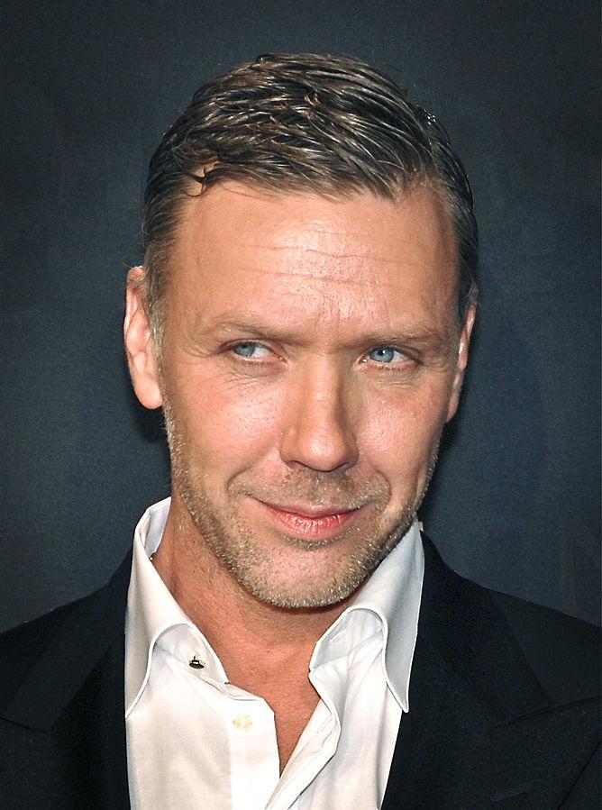 Bildet er av skuespiller Mikael Persbrandt. Foto: Frankie Fouganthin.