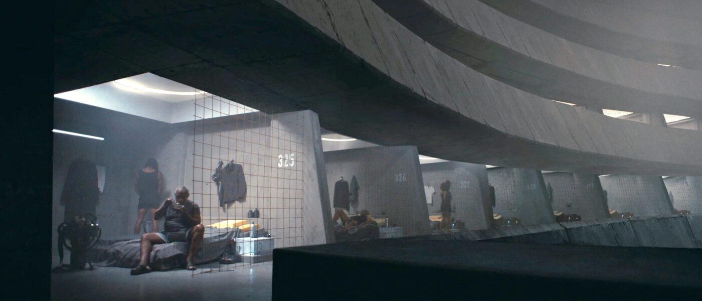 2121 - En film från framtiden: Reckless 20's, Skönheten, Lyckad upptining av Herr Moro, Jordbundna och Folly.